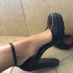 Guess retro look heels with platform